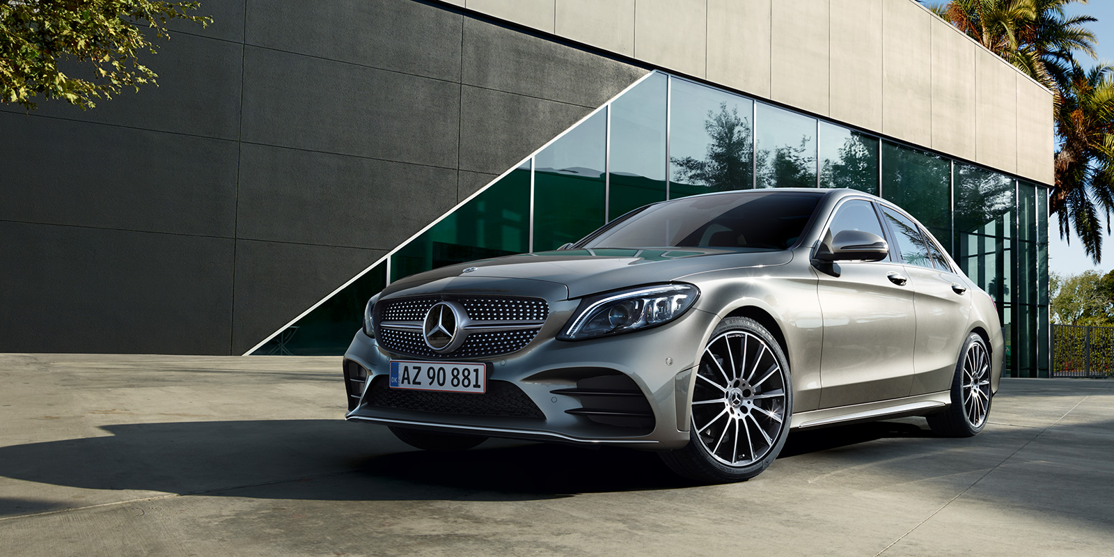 mercedes_benz_business_solutions_ny_c_klasse_sedan_1600x800_01