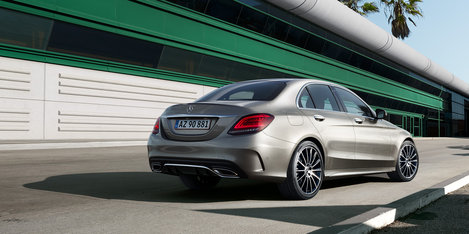 mercedes_benz_business_solutions_ny_c_klasse_sedan_1600x800_02