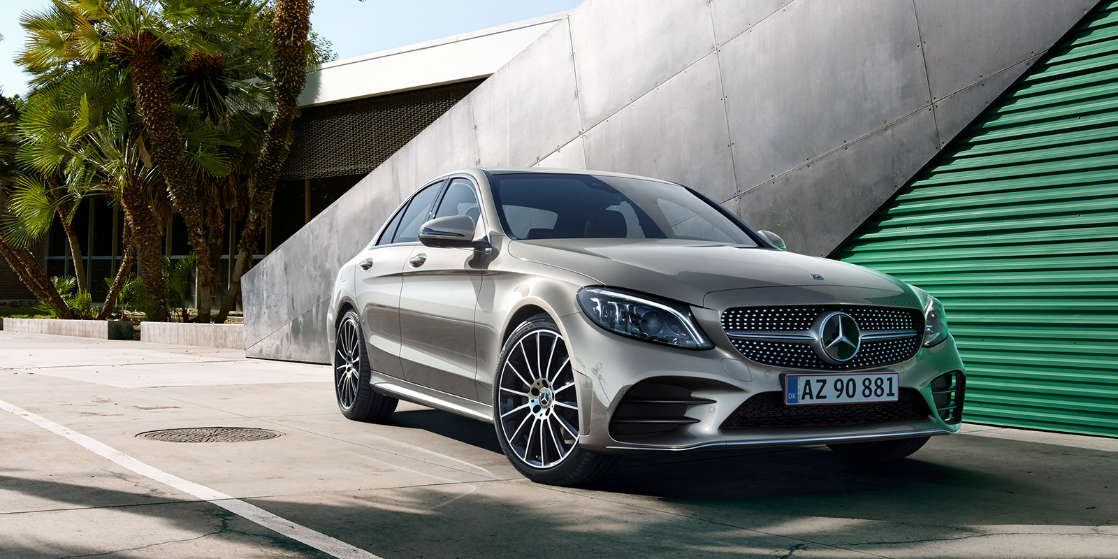 mercedes_benz_business_solutions_ny_c_klasse_sedan_1600x800_04