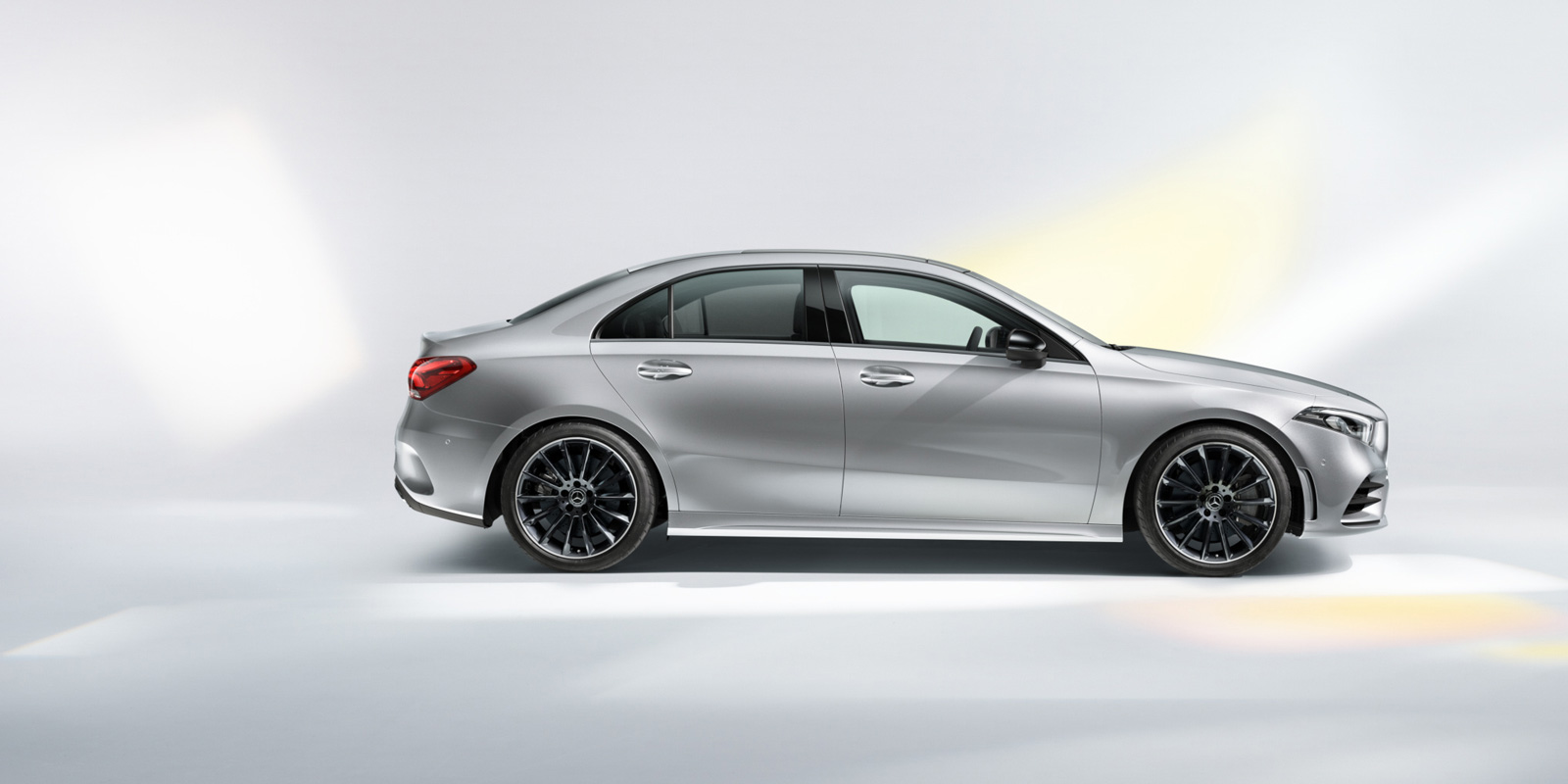 mercedes_benz_a_klasse_sedan_1600x800_06